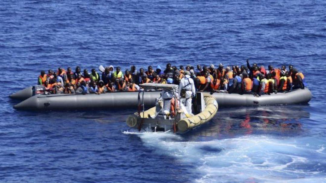 """Il vertice al Cara di Mineo con il """"re degli scafisti"""" libico"""