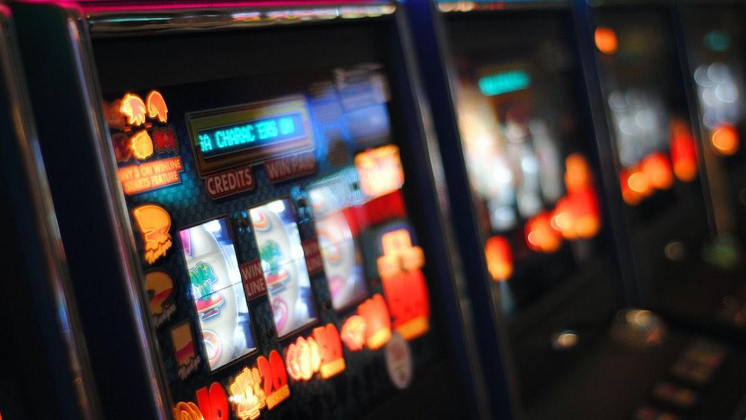 Gioco d'azzardo: giocate in aumento e l'occhio sull'online per l'emergenza Covid