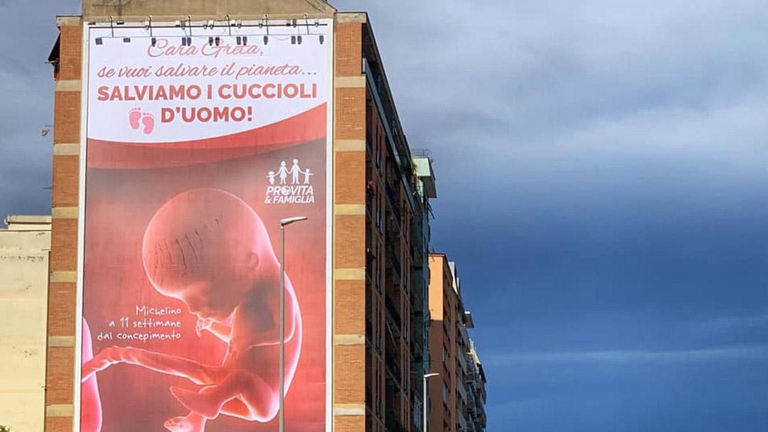 Fascisti, speculatori e affaristi: chi c'è dietro il mondo pro-vita che guarda a Matteo Salvini