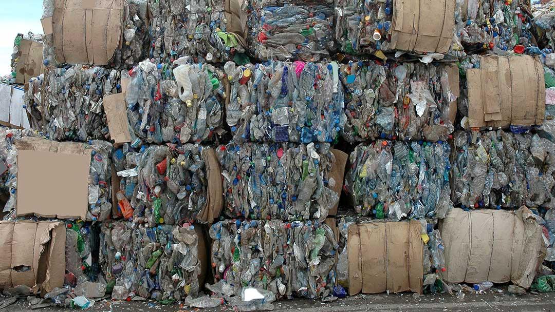 Arresti eccellenti e aziende fantasma: il traffico di rifiuti tra Italia e Tunisia