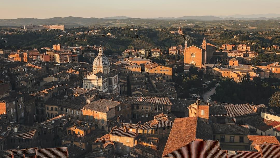 Dal Monte Paschi al calcio: Siena è un girone dantesco